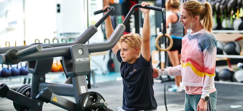 Styrketræning for børn og unge: Det skal være varieret, sjovt - og udføres korrekt!