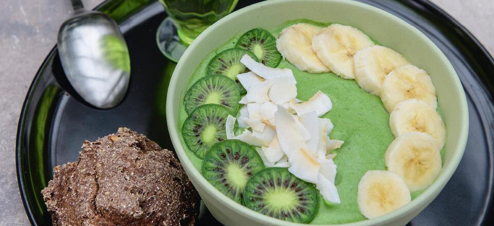 Opskrift på greeniebowl med spinat og edamamebønner