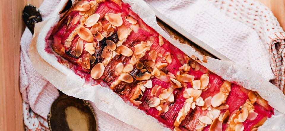 Rabarberkage med mandel